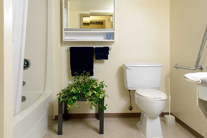 Bathroom at Rits-UBC House.